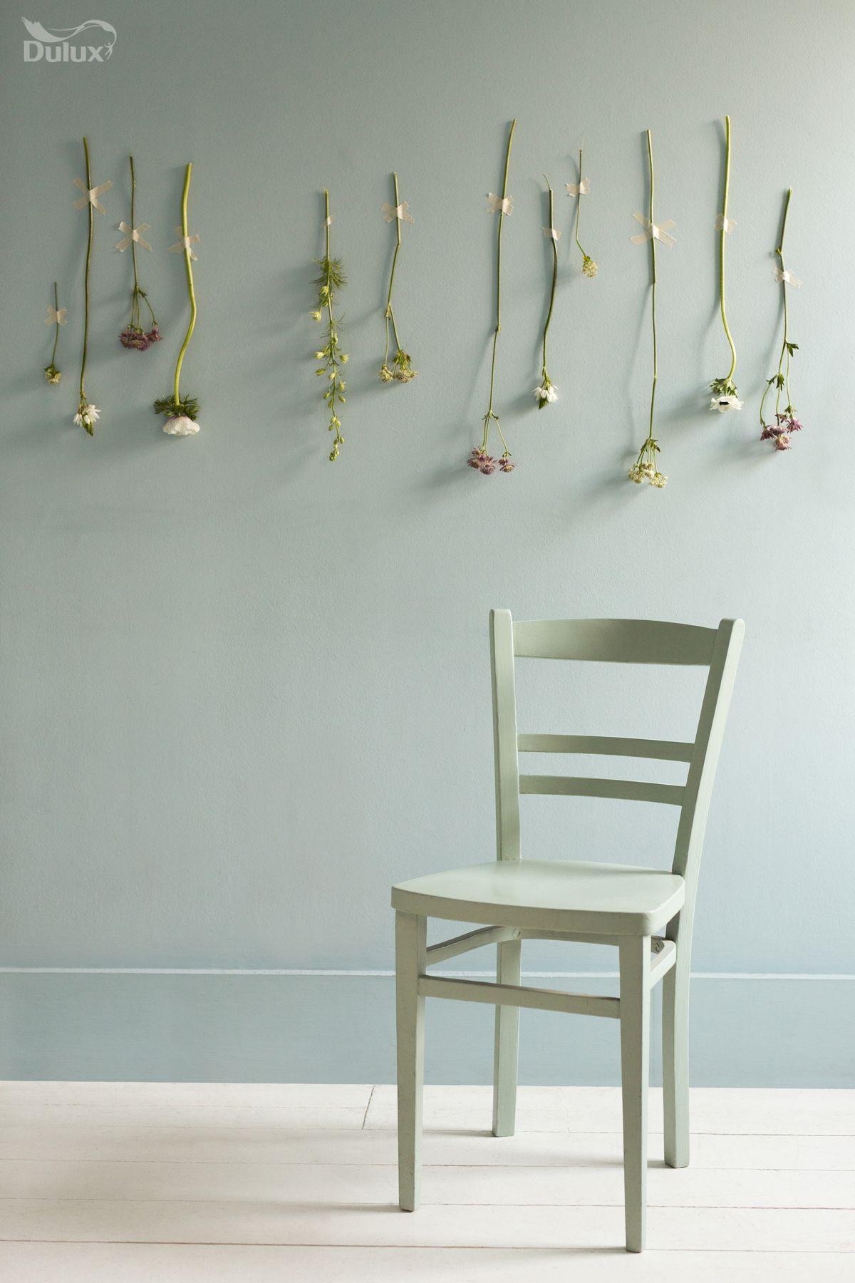 du kannst deinen stuhl in der gleichen farbe lackieren wie die wand mint. Black Bedroom Furniture Sets. Home Design Ideas