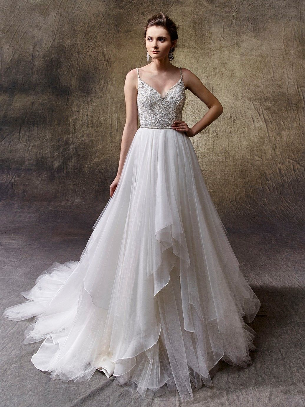 Enzoani Wedding Dress Find Enzoani And More At Here Comes The Bride