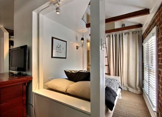16 E Jones Carriage House Bedrooms 1 Baths 1 Sleeps 3 Fully Furnished Carriage House In Savannah S Histo Finding Apartments Home Bedroom Transform Spaces