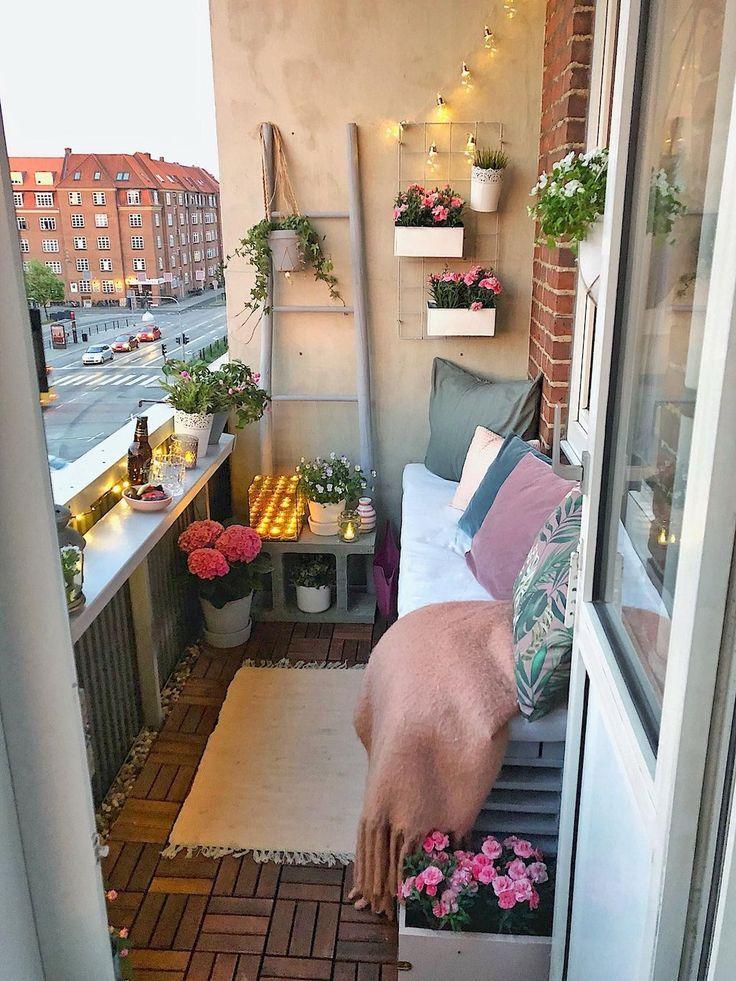 50 komfortable Wohnung Balkon Dekorieren Ideen mit kleinem Budget #apartmentbalconygarden