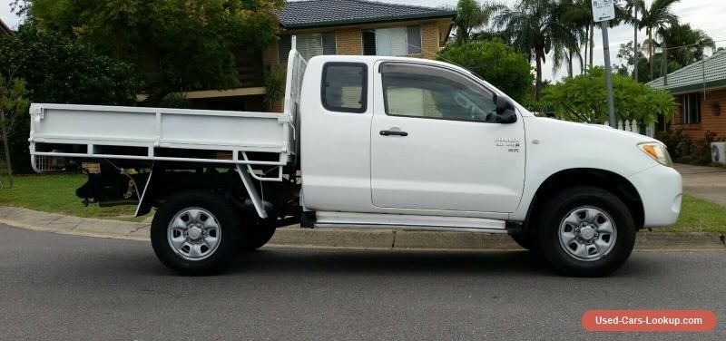 Car For Sale 2006 Toyota Hilux Sr 4x4 D4d 3 0l Turbo Diesel Space Cab