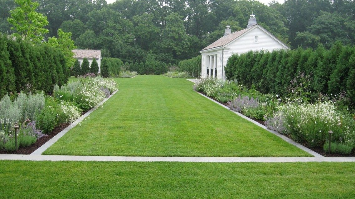 Great Bluestone Garden Edging And Combine With Green Grass Also Pretty  Flowers And Green Trees With