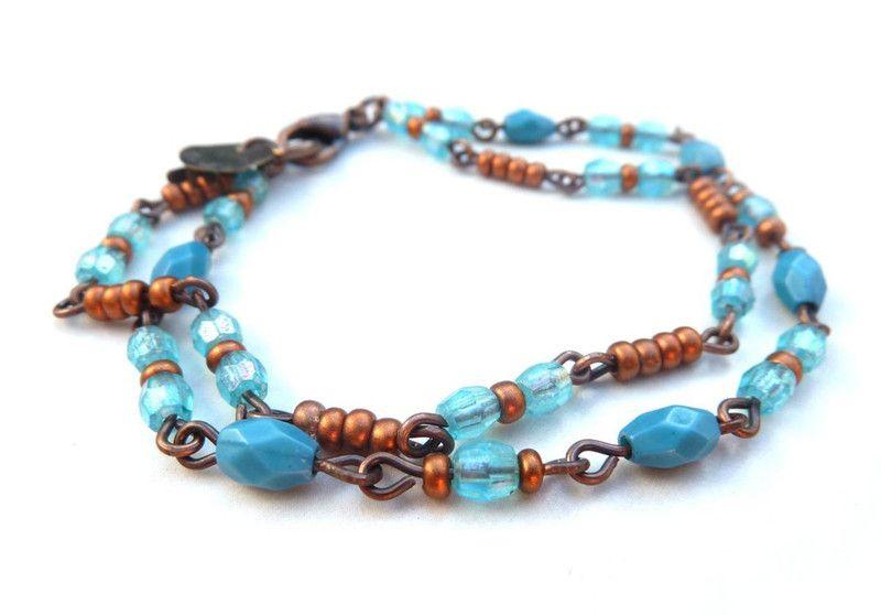 koperkleurige+armband+met+aqua+glaskralen+(S-717b)+van+Dome's+Design+op+DaWanda.com