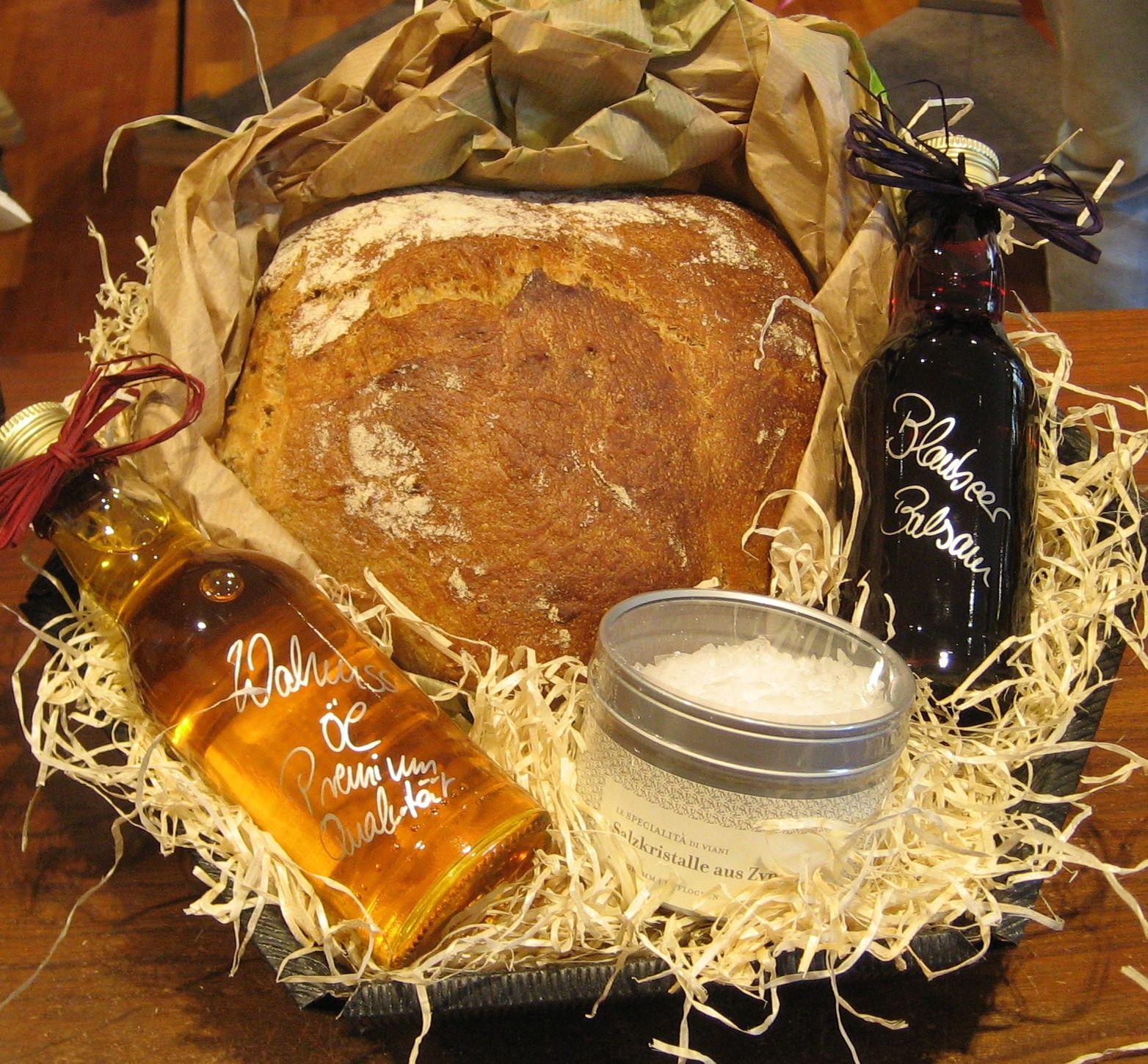 Salz und Brot zum Umzug sind ein schöner Brauch seine ...