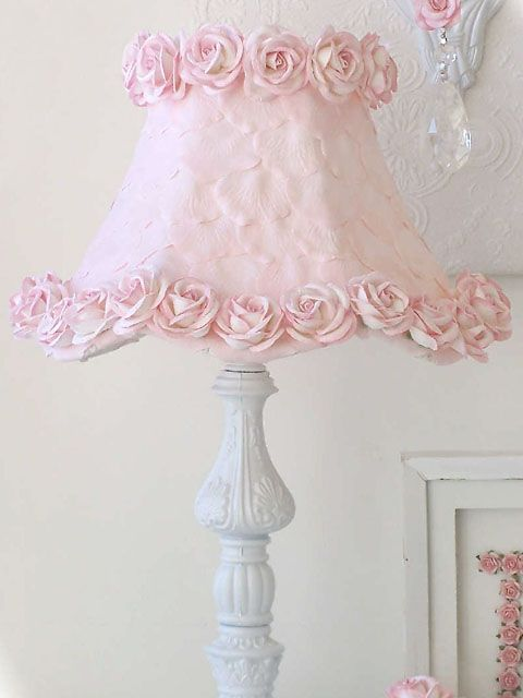 Exquisite rose pink lamp shade with petals and roses cositas exquisite rose pink lamp shade with petals and roses aloadofball Choice Image