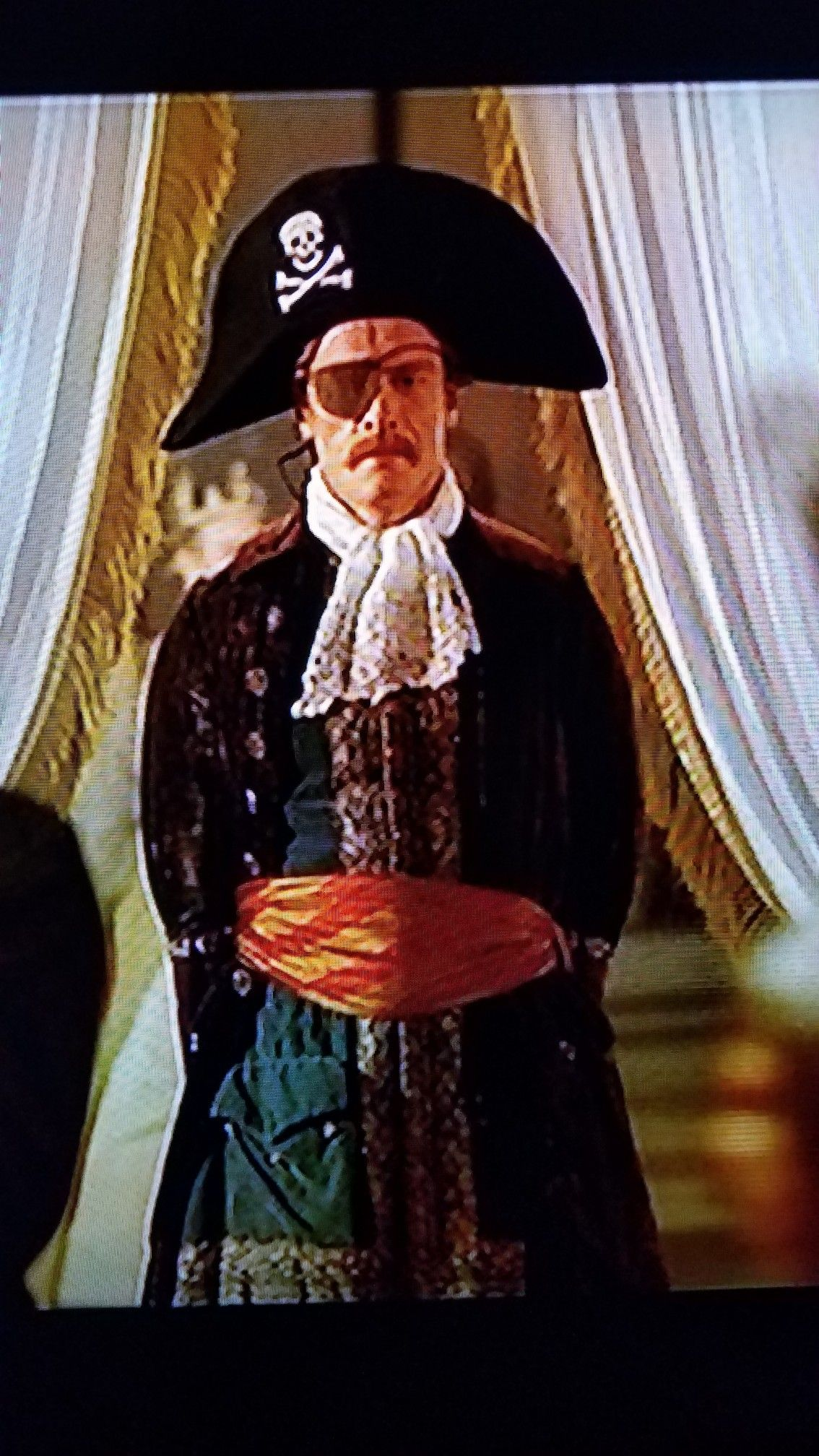 Toby Stephens Practices For His Role As Cptn Flint Costume Drama Toby Stephens Pandey