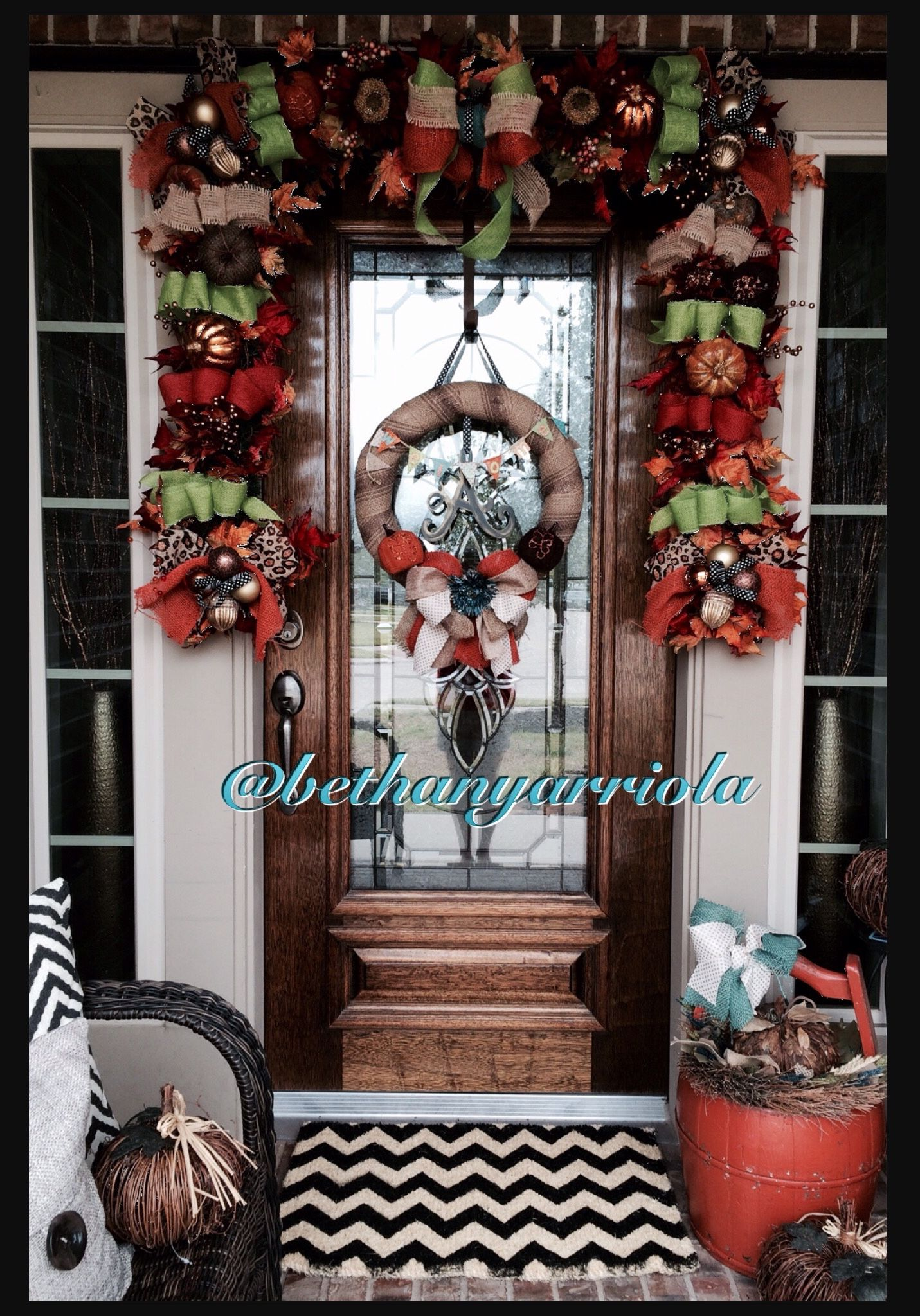 Fall 2014 burlap wreath and garland decor for my front door - halloween window decor