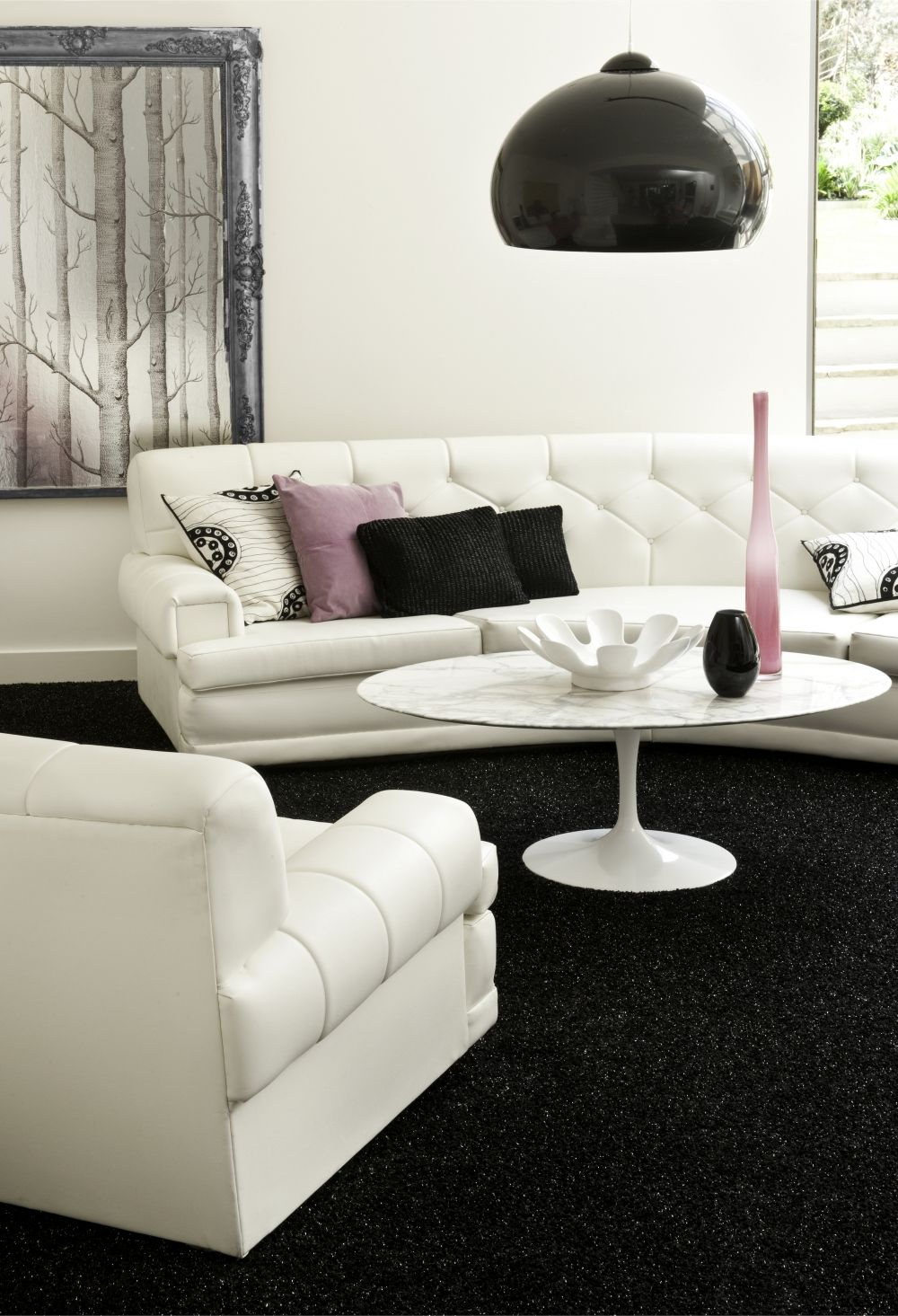 Black and white with pops of pink/purple | Déco Tendance minimaliste ...