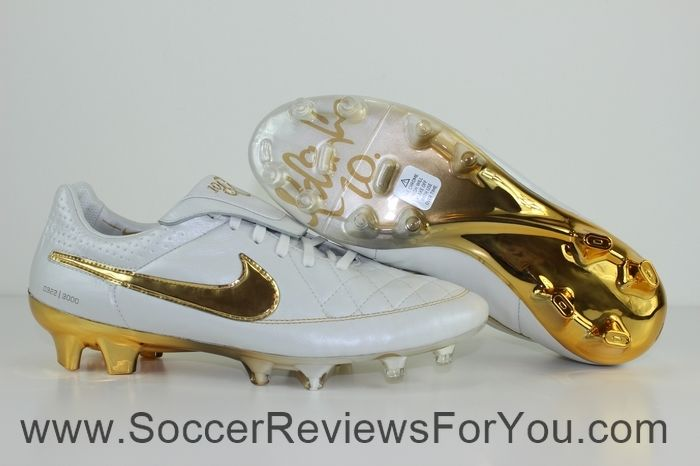 Nike Tiempo Legend 5 Ronaldinho R10 Touch of Gold Review