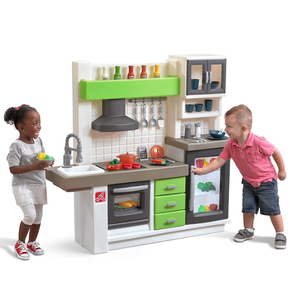Step2 Euro Edge Kitchen Features A Refrigerator With See Through