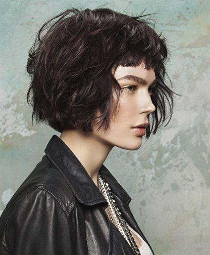 Capelli: la frangia diventa messy   Vogue Italia