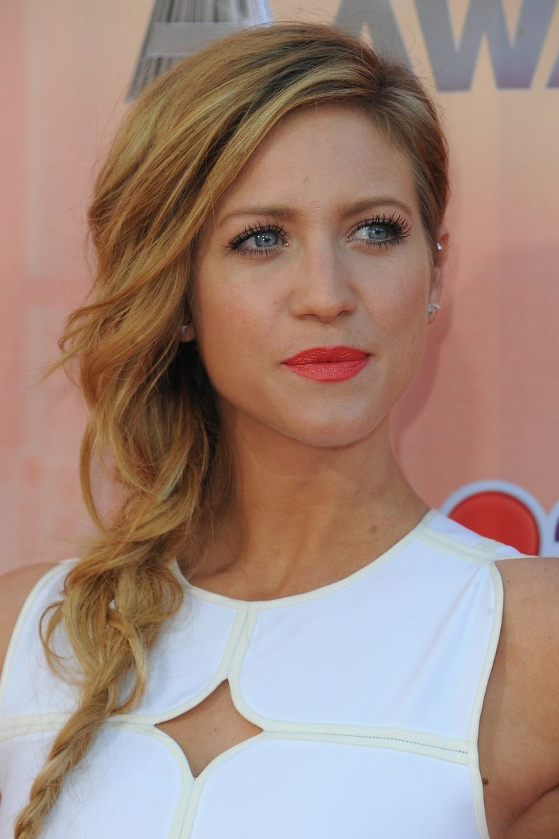 brittany snow didn't like her dark red hair in 2019 | hair