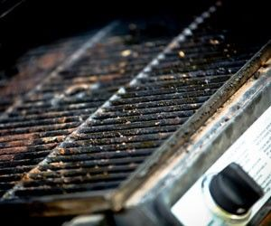 Grill Cleaning Guide How To Clean Grill Repair Com Summer Clean Home Grill Easy Cleaning Guide Clean Grill Cleaning