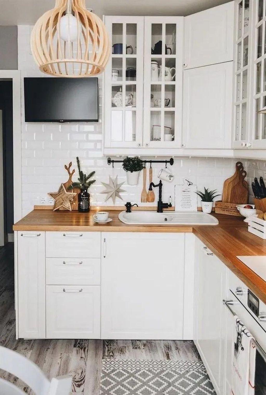 32 Popular Apartment Kitchen Design Ideas You Should Copy Pimphomee Kitchen Design Small Galley Kitchen Design Interior Design Kitchen