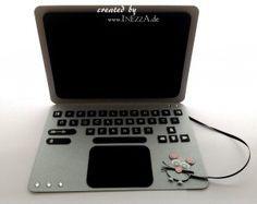 Ein Wunderbares Geldgeschenk Fur Einen Laptop Das Geld Wird Hinter