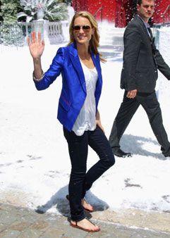 c65bdf3ddd Robin Wright Penn jeans blazer always makes a look
