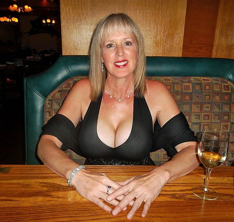 new oxford milf women Sexy women in new oxford pa the adult friend finder dating community is a worldwide network and we have singles from all different countries and cultures including american singles, australian singles, chinese singles, south american singles, uk singles and many other regions around the world.