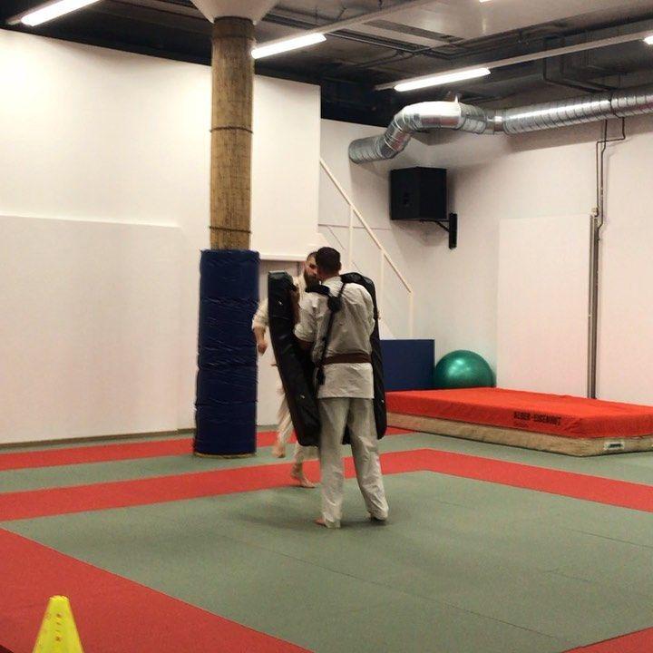 #ZenDoRyuShinkyokushin #Shinkyokushin #Shinkyokushinmorges #karate #martialarts #fitness #selfdefens...