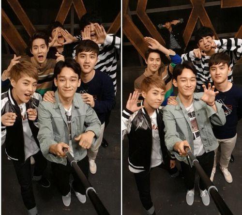 """EXO - 160329 SBS Twiter update: """"#내손에가수_판타스틱듀오 이번엔 #엑소 다!! 모든 멤버가 셀카봉을 들고 #으르렁 녹음에 도전했는데요~ 벌써부터 보고 싶잖아T^T (판듀 공식 페이지>>link)""""  Credit: SBSNOW."""