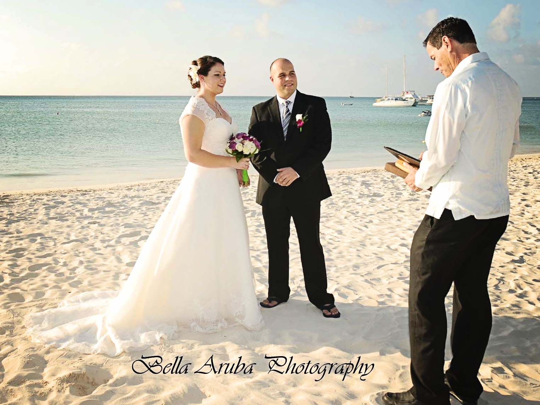 A small intimate wedding at Radisson Aruba Resort