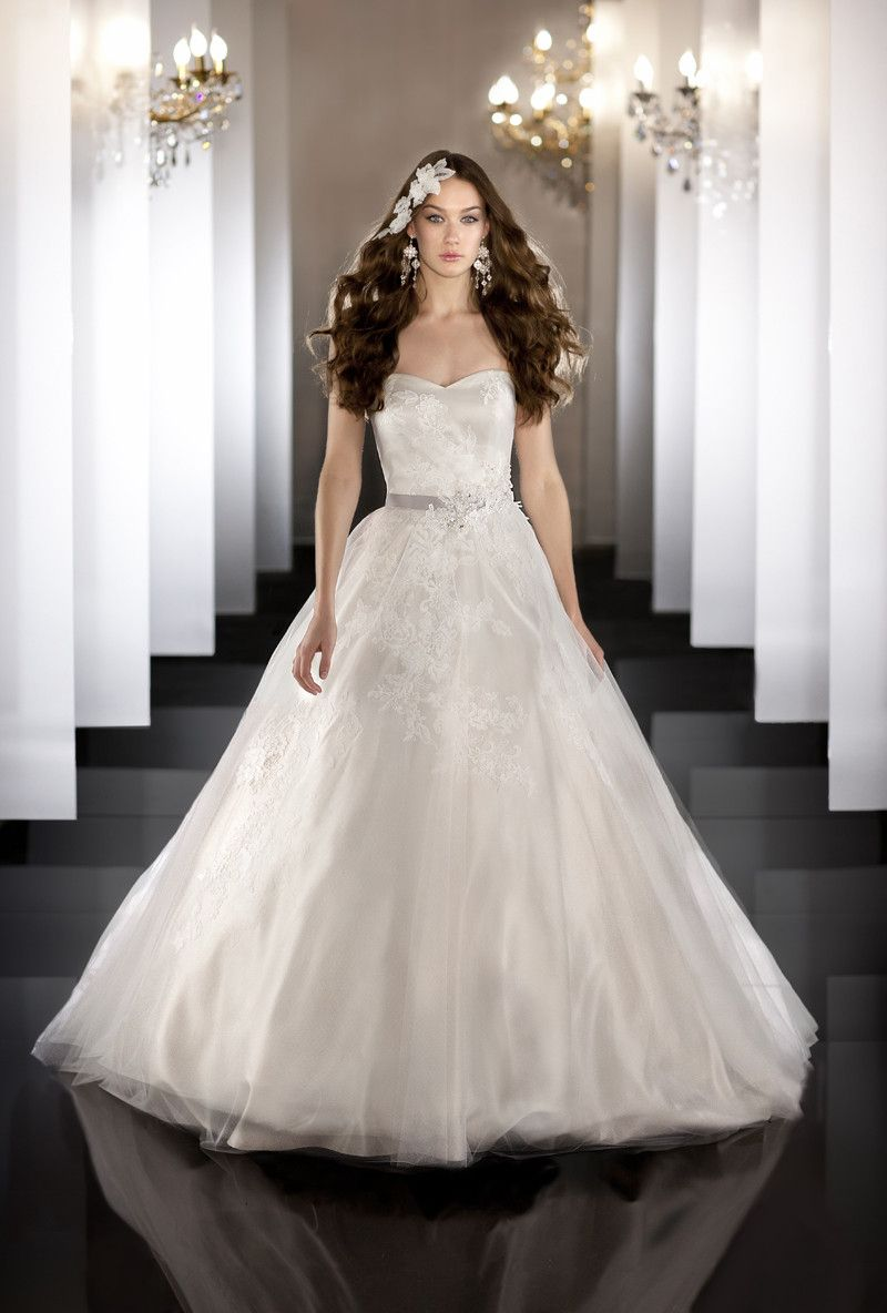 What to wear over a sleeveless dress to a wedding  Formal Hollywood Glam Modern Romantic Ivory White    to