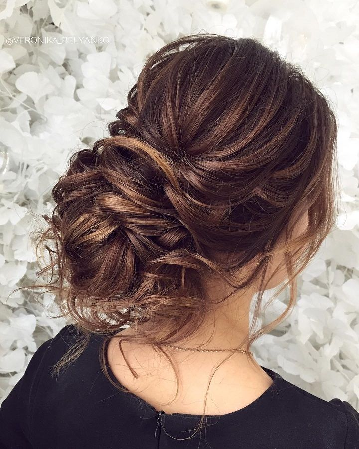Messy wedding hair updos | bridal updo hairstyles  #weddinghair #weddingupdo #weddinghairstyle #bridalhair #bridalupdo