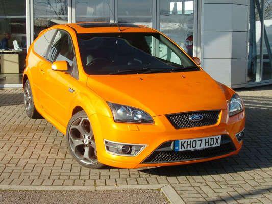 Used 2007 (07 reg) Orange Ford Focus 2 5 ST-3 3dr for sale