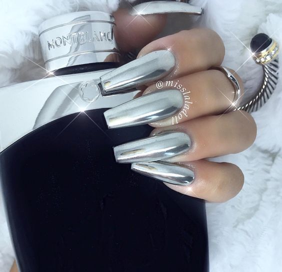 37 Stunning Silver Chrome Nail Art Designs and Ideas #chromenails
