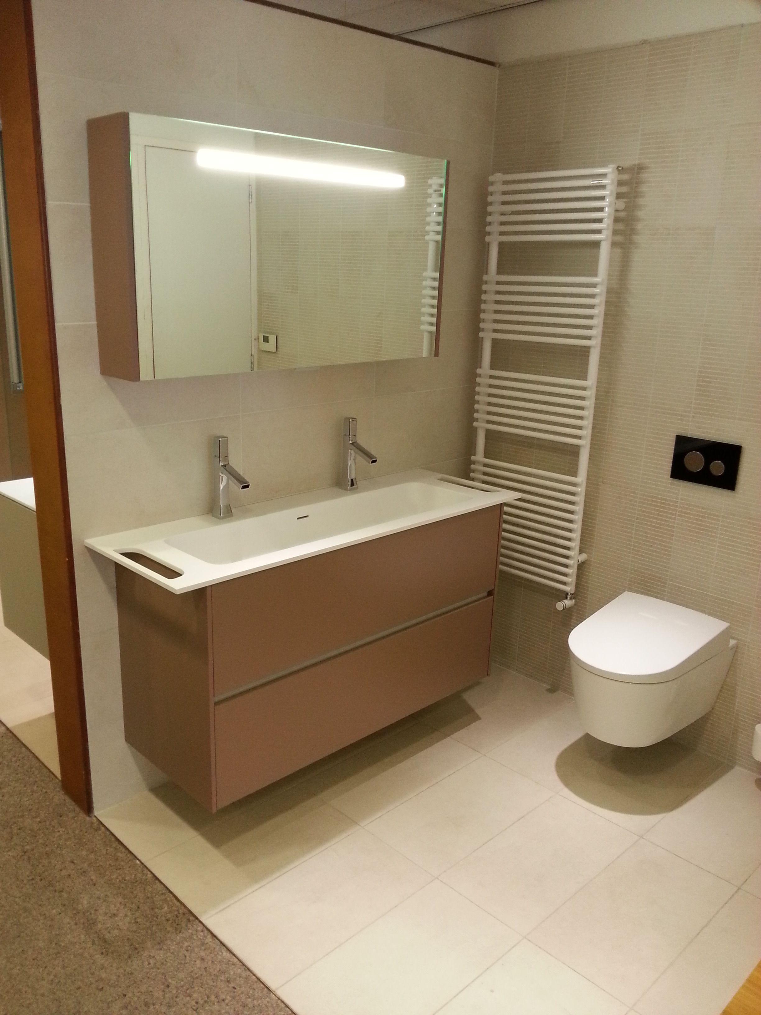 baño #Stocco con accesorio secar toallas | Spais baños | Pinterest ...
