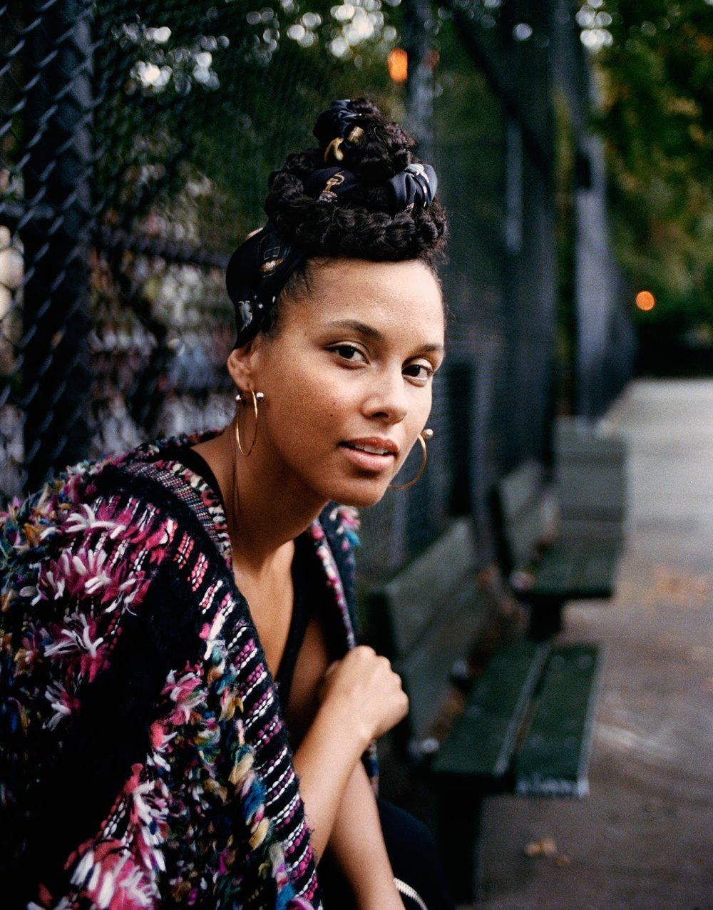Alicia Keys On No Makeup Here Empowerment Lensed By Quentin De Brey Anne Of Carversville Alicia Keys Black Girls Rock Alicia Keys Style