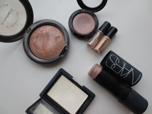 How to Make Your Makeup Last Longer #longevity #makeup #lasting #makeup #cosmetics #beautytip #beautytips #tip #tips #blog #blogger
