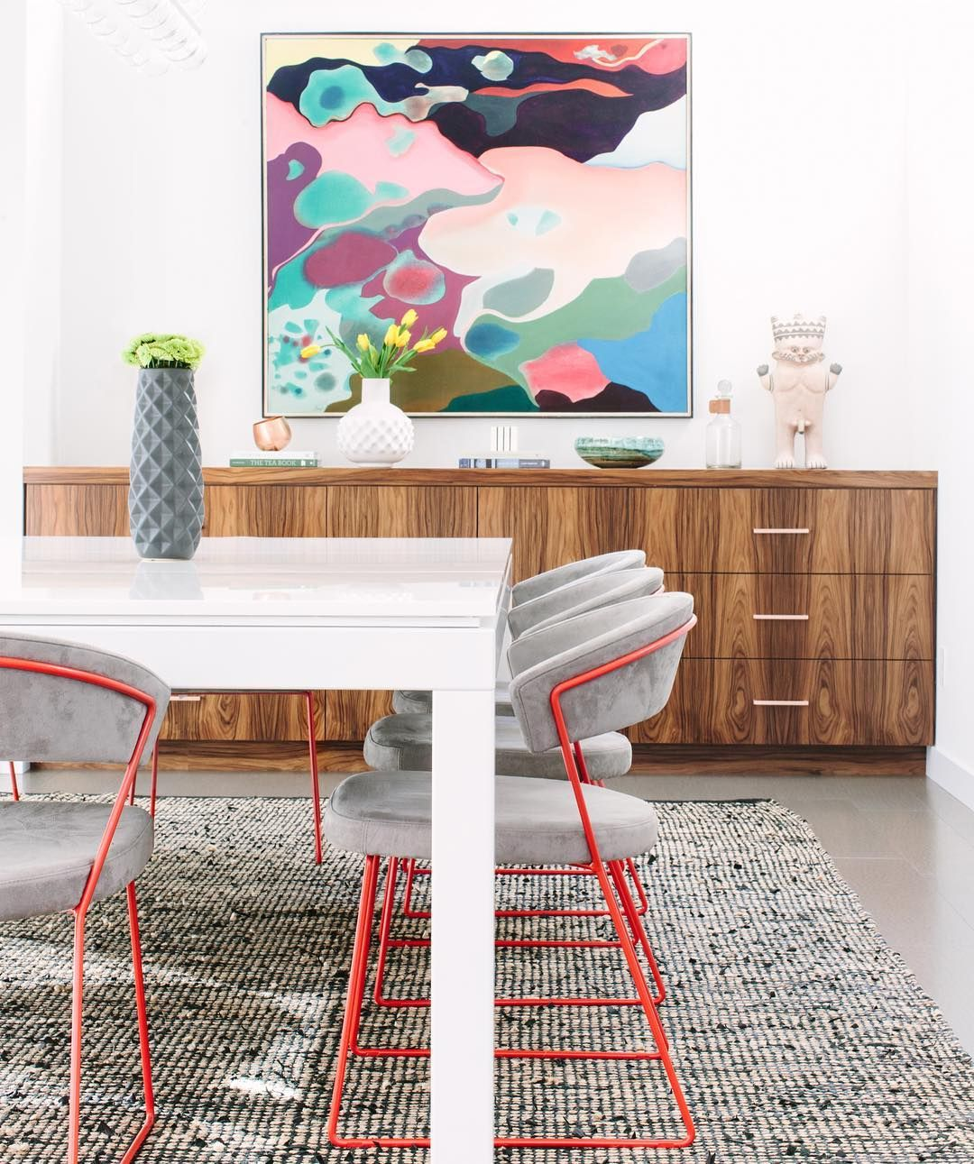 Eclectic colorful dining room regram via dominomag