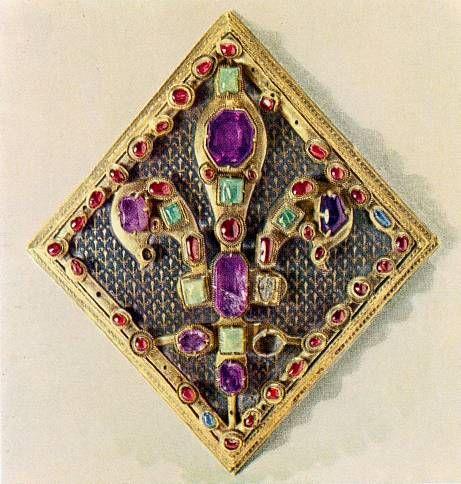 Lozenge-shaped fleur-de-lis brooch (early 14th century French)