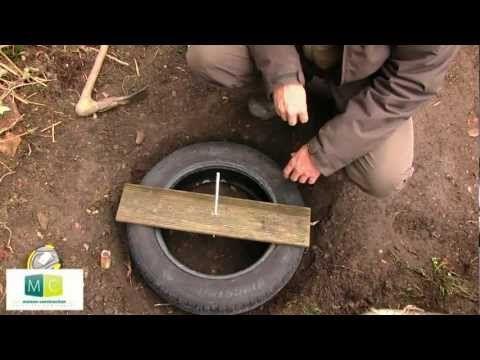 Fondation maison pneus,fondations légères sans béton-Building a tire - maison en beton coule