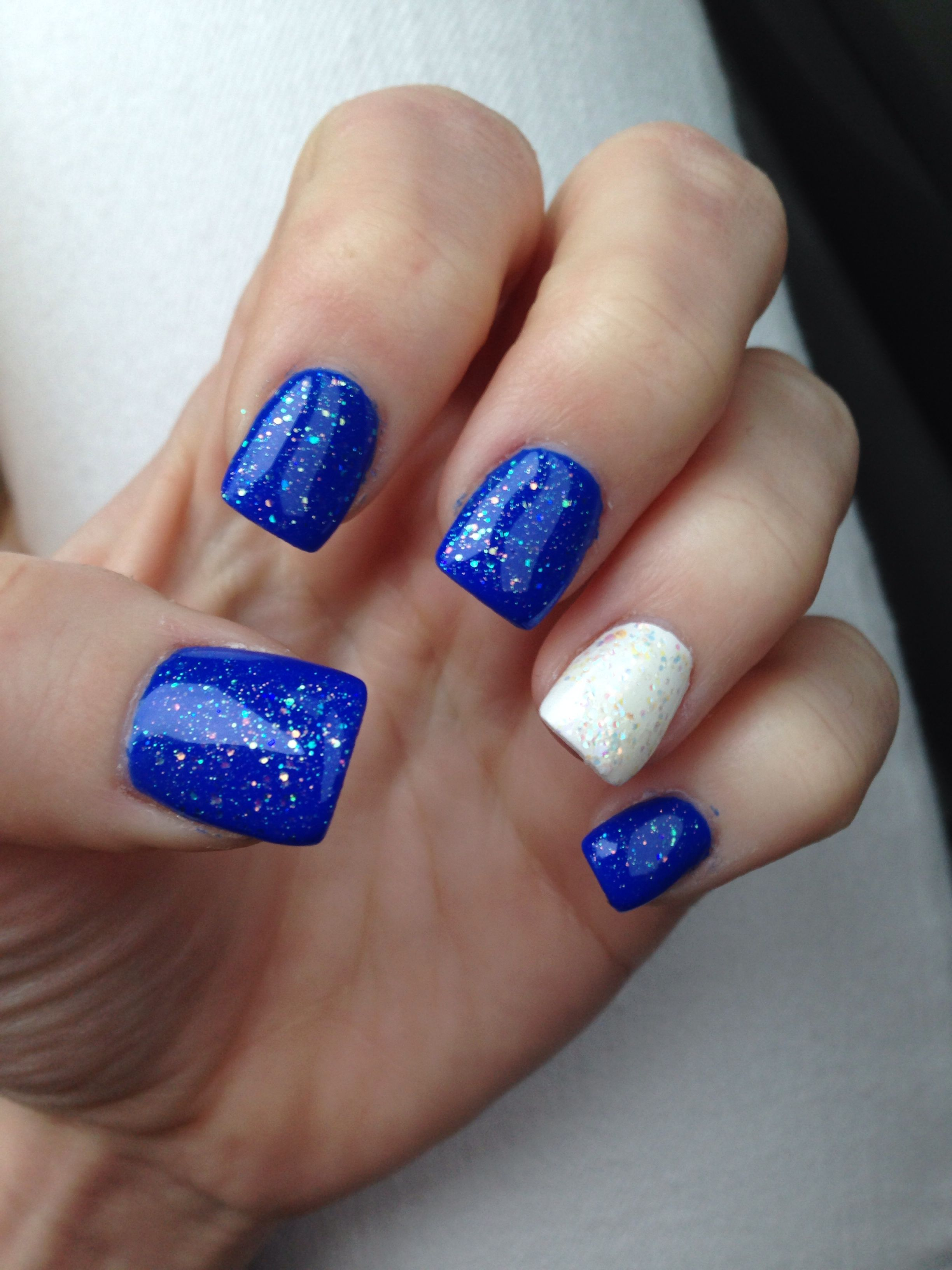 Nails. New Years Nails ) Sparkly blue and white New