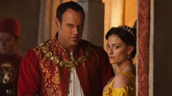 Elliot Cowan As Lorenzo De Medici And Lara Pulver As