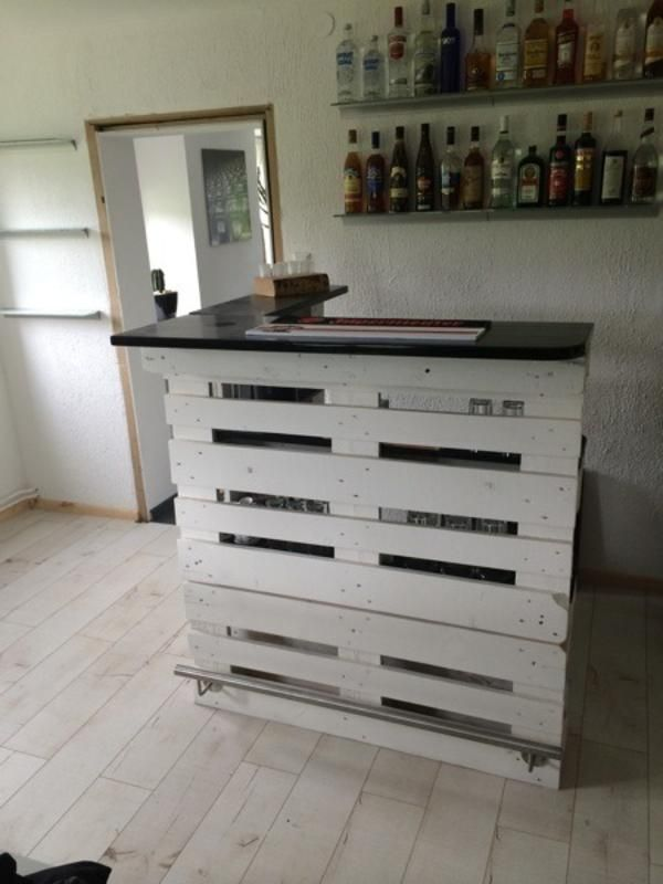 bar aus europaletten zu verkaufen schramberg baumaterial holz metall palete. Black Bedroom Furniture Sets. Home Design Ideas