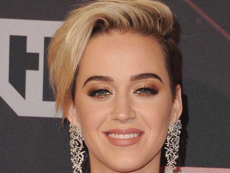 Neue Frisuren 2018 Katy Perry Zurück ändern Ihre Frisur Wird Schöner