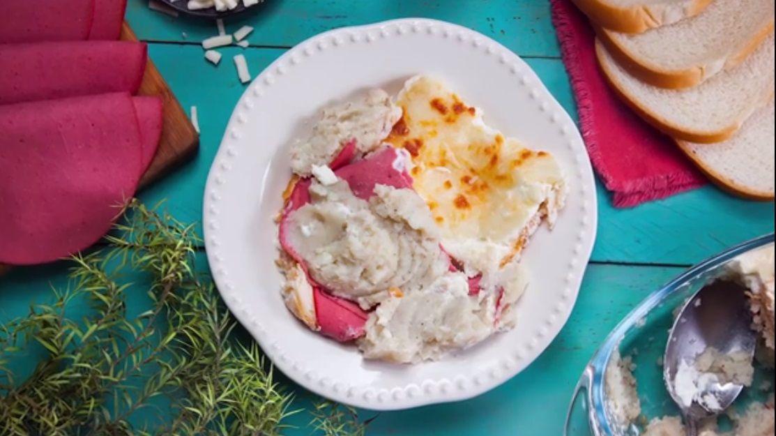 طبقات بطاطس والتوست Elwasfa Recipe Food Recipes Desserts