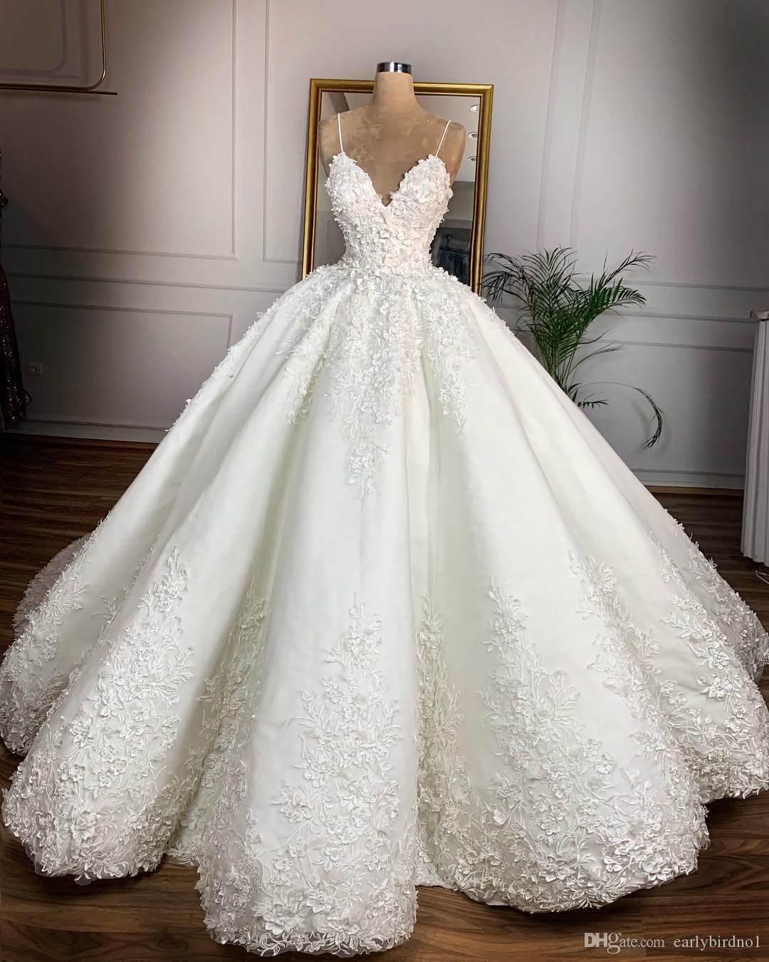 Vintage White Spaghetti Sequined Lace Appliqued Ball Gown Wedidng