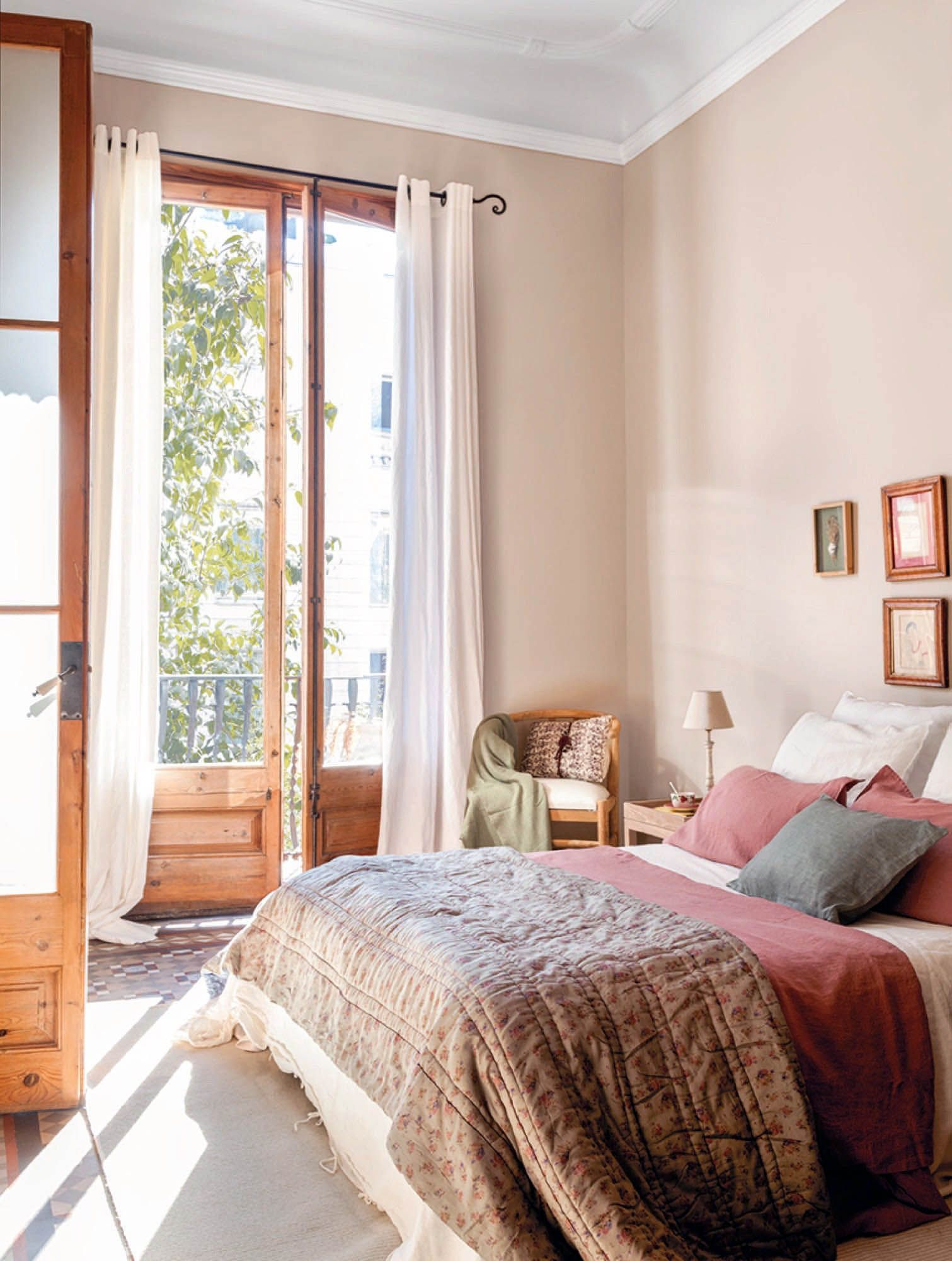 9 Ways to Take a Bed Room in Your Small Apartment | Home ...
