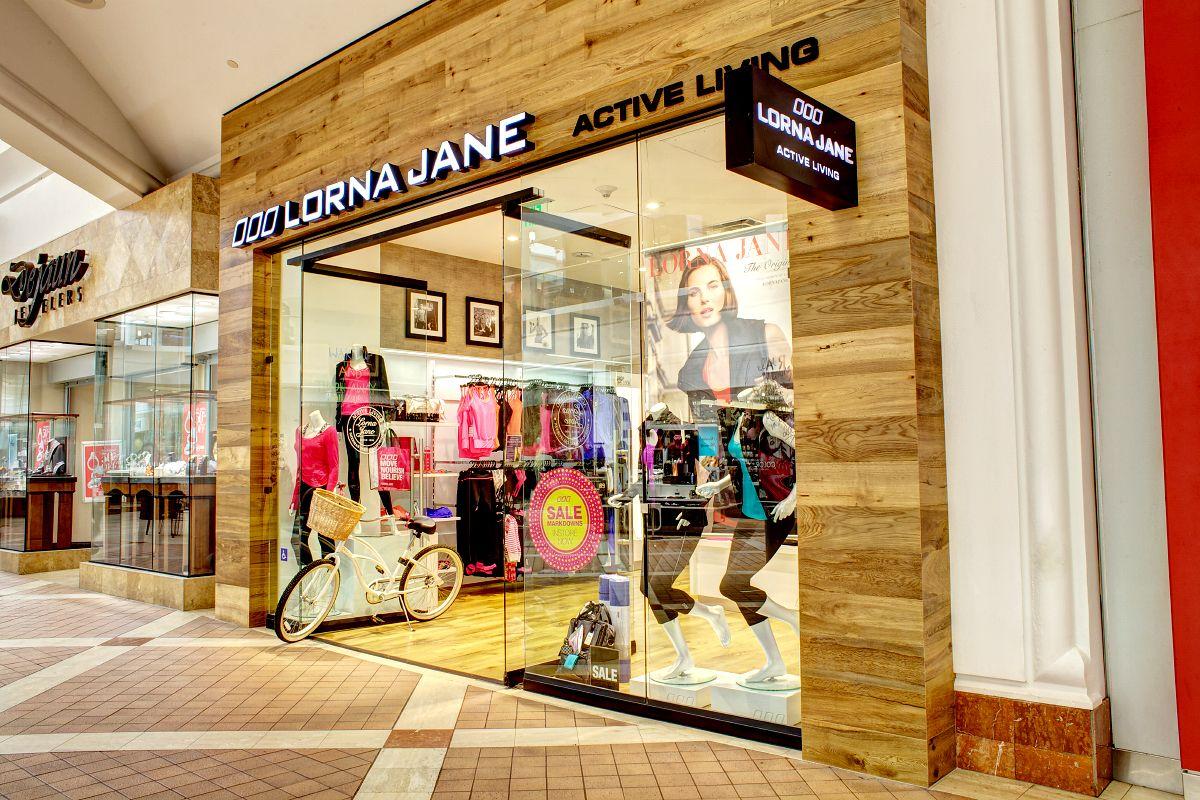 Lorna Jane Store By Si Retail At Sherman Oaks Usa Retail Stores Llornajane Shopfitting Call Us On 1800 211 122 And Ask A Shop Fittings Design Custom Design