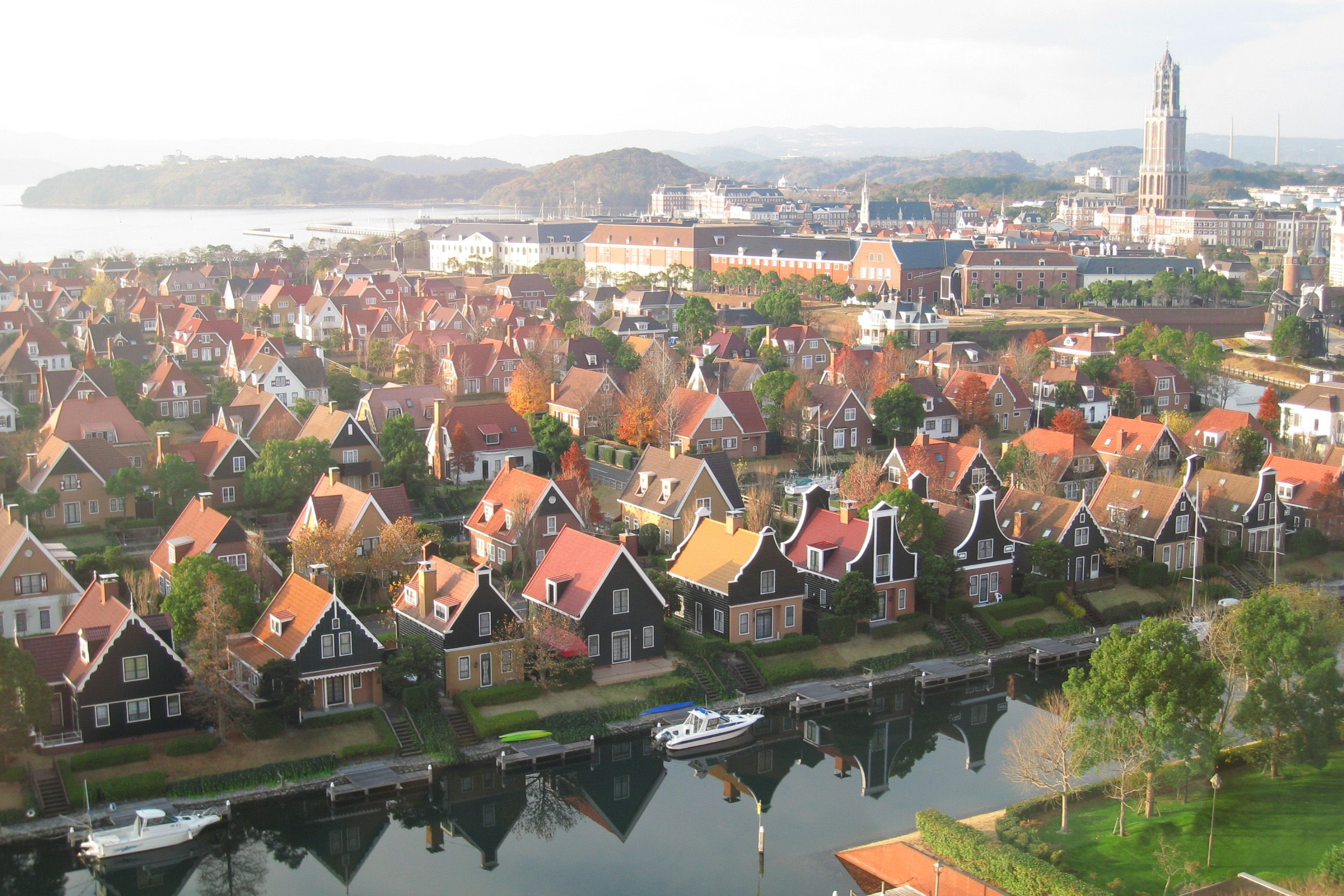 Huis Ten Bosch Sasebo Japan A Theme Park That Contains Life Size Structures And Recreates The Netherlands 旅 長崎 ハウステンボス 長崎