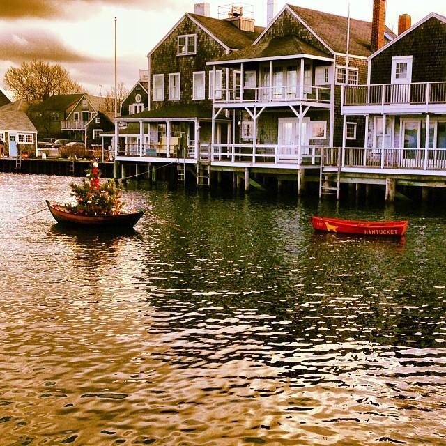 Places To Visit In Christmas Island: Christmas Stroll 2013, Nantucket ϸ�