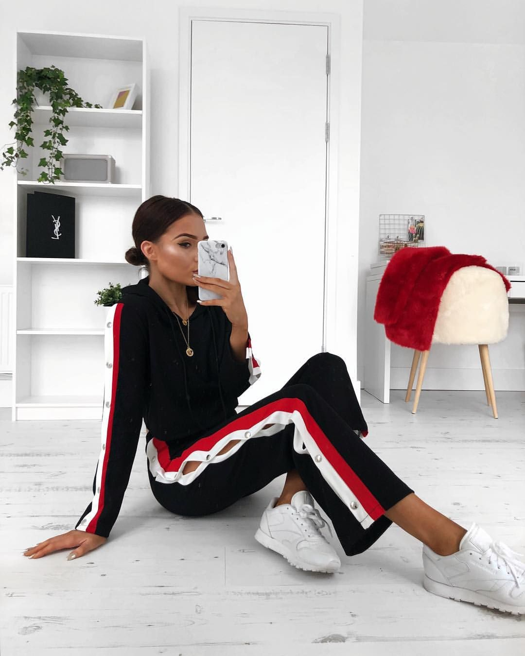 "13.6 k likerklikk, 89 kommentarer – Alicia Roddy (@lissyroddyy) på Instagram: ""If I could just live the rest of my life in matching sets that would be great linked this…"""