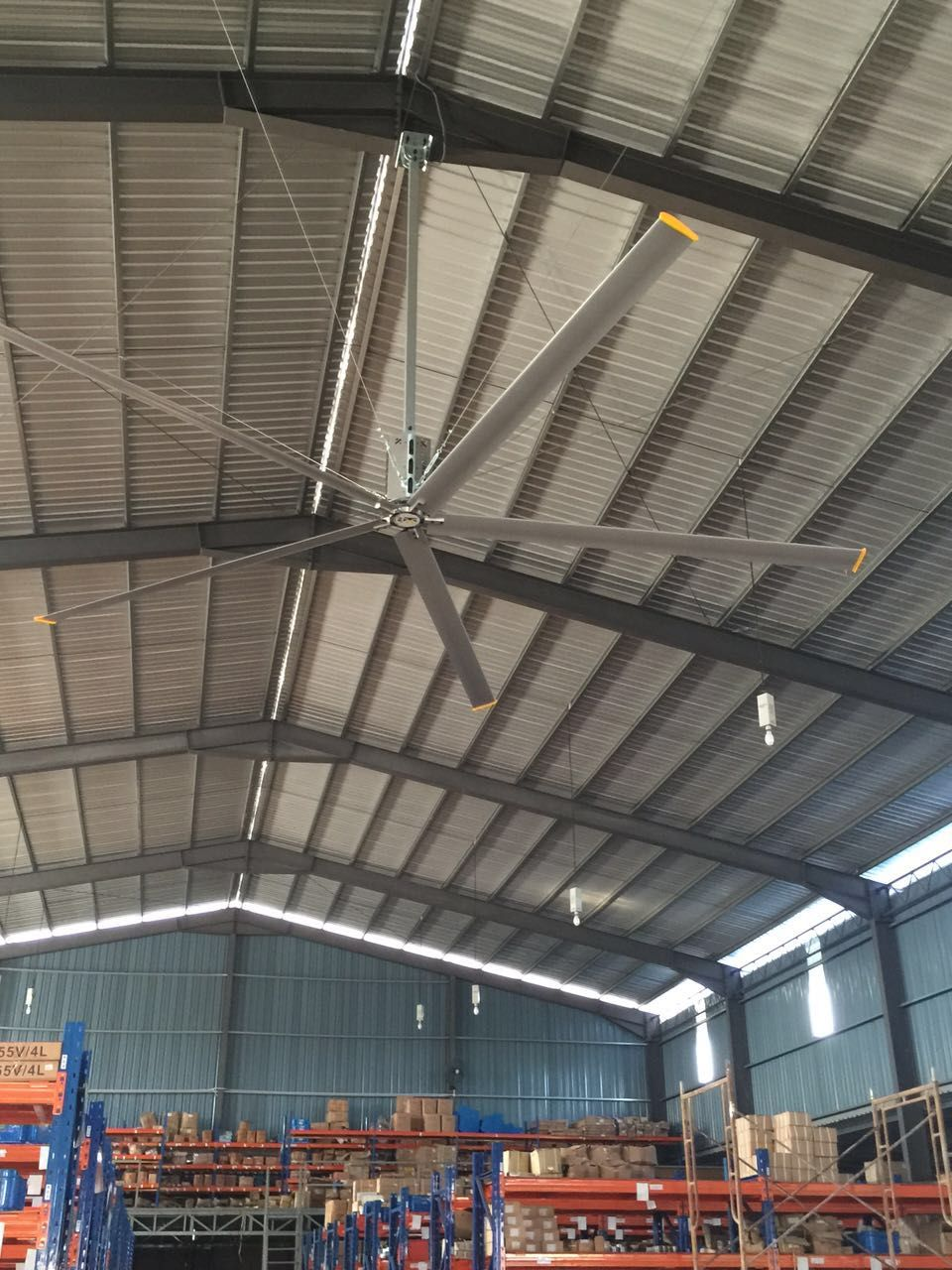 High Volume Low Speed Fans Improve Ventilation And Indoor Air Quality Our Industrial Fans Are Designed To Circula Indoor Air Quality Industrial Fan Indoor Air