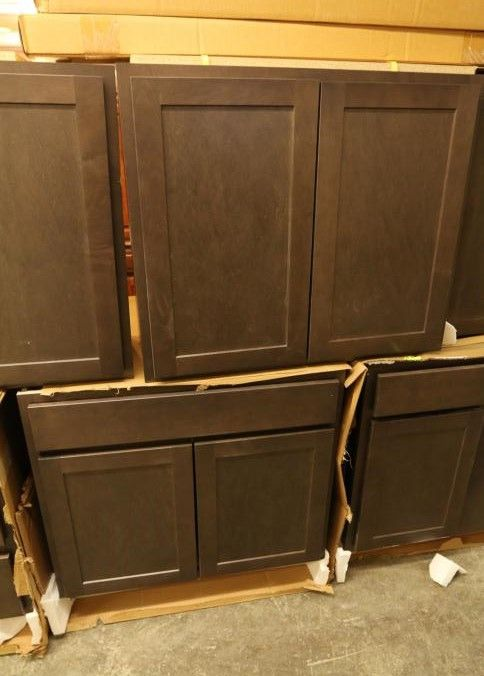 Diamond Cabinetry Hanso Thatc Mpl Kitchen Cabinets With European Hinges Soft Close Doors And Drawers European Hinges Soft Close Doors Cabinetry