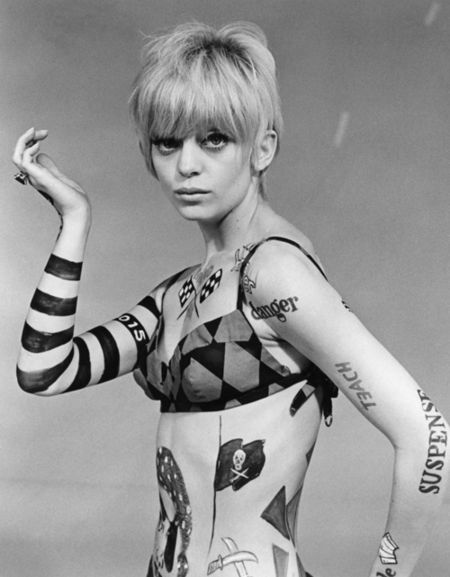 Goldie Hawn on Rowen and Martin's Laugh-in circa 1966