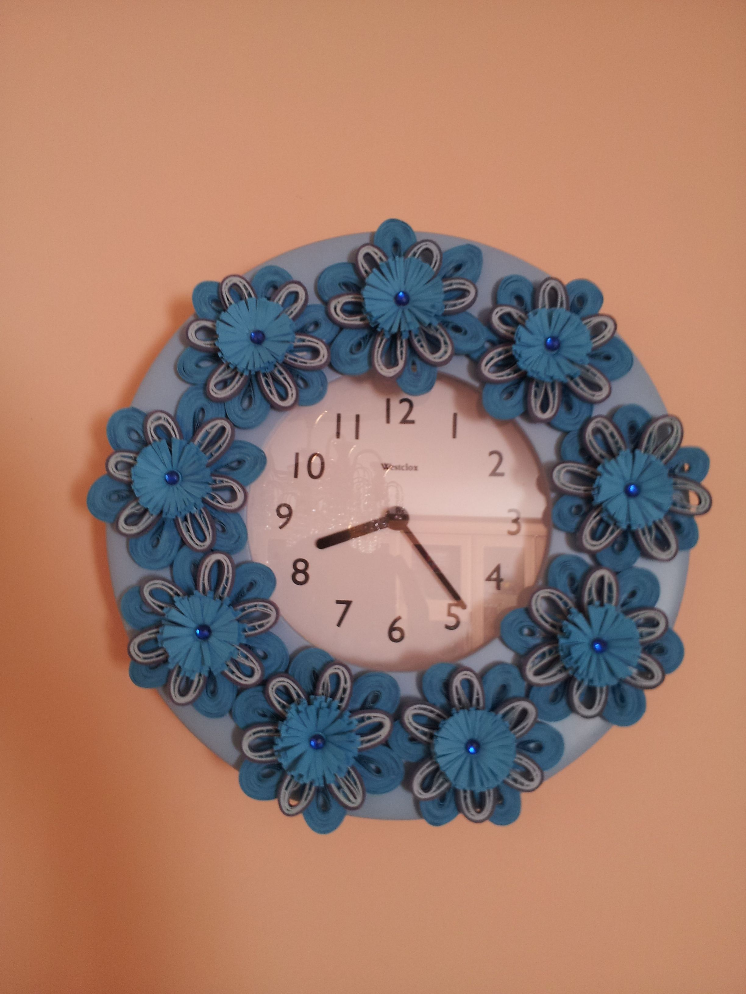 paper quilling decorated wall clock CD PHOTO