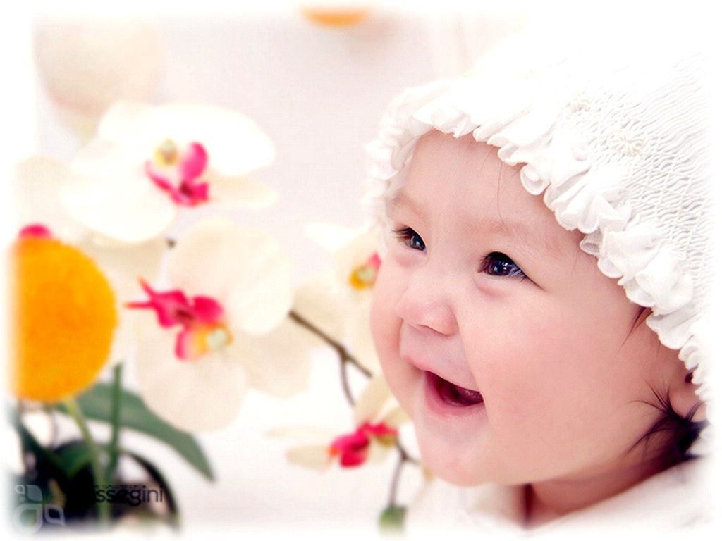Cute Babies Hat HD Free Download Wallpapers with resolution